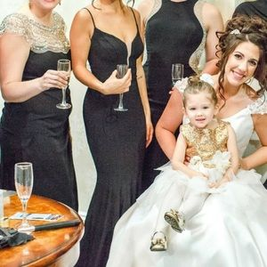 BLOOMINGDALES BRIDESMAID DRESS SIZE 0 black